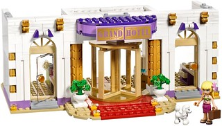 LEGO Friends 41101 - Heartlake Grand Hotel | by www.giocovisione.com