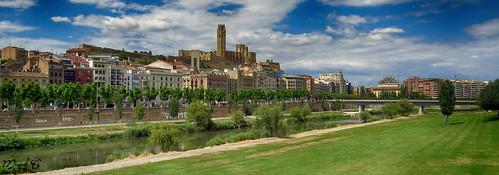 panoramica de una parte de LLeida | by M.Campo