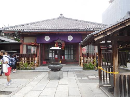 浅草、大行院の本堂   by 5eki