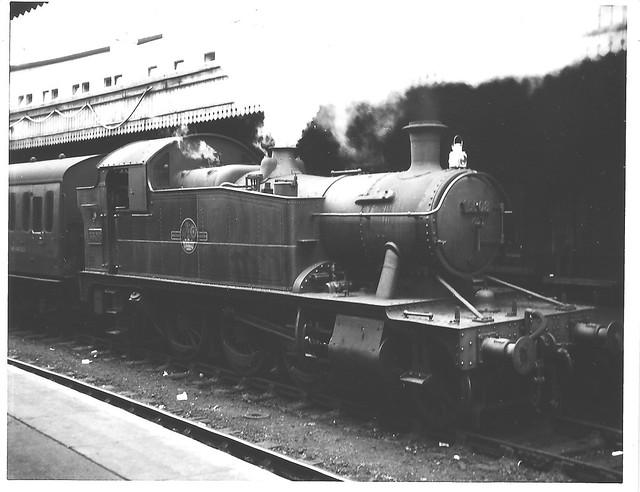 # 5508 at BTM. Awaiting departure from Platform #6 [ Circa 1958 / 59 ]