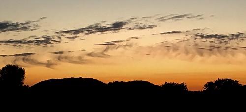 wispy cloudpattern evening