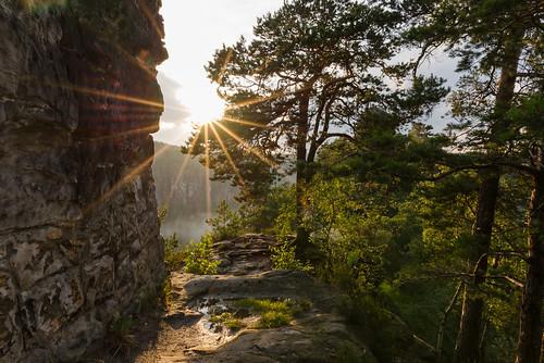 travel sunset mountains nature fog clouds germany de deutschland rocks natur sachsen flare wilderness goldenhour sunstar hohnstein