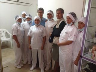 Hnas. Beatriz Alicia y María Leonor con el grupo de mujeres