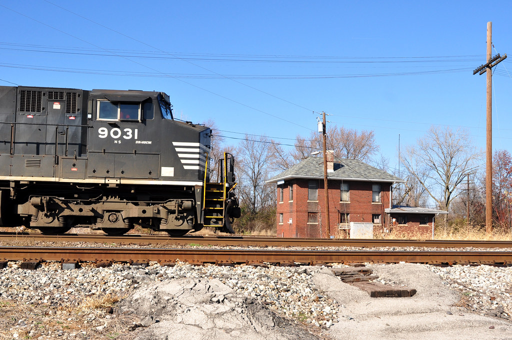 Norfolk Southern #9031 @ Lenox Tower