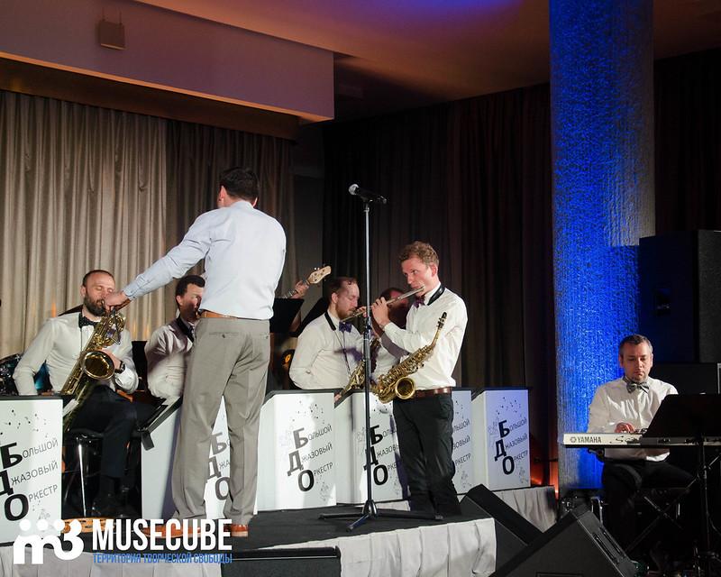Большой джазовый оркестр-076