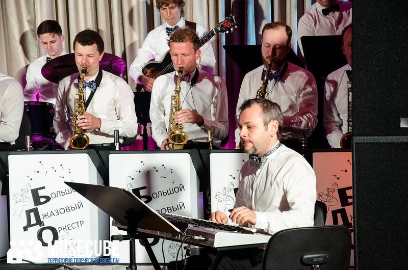 Большой джазовый оркестр-020