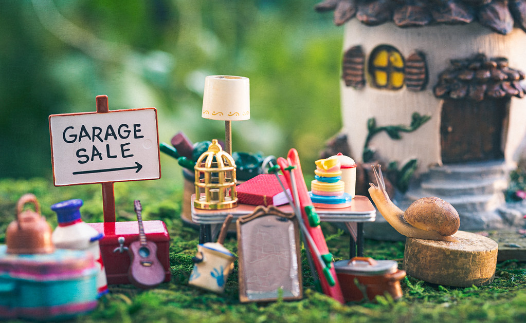 garage sale | I love going to garage sales and sifting throu… | Flickr