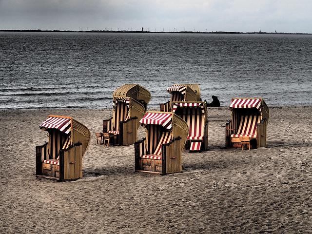 Drama on the Heiligenhafen shore .  Explored