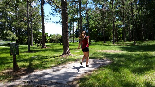 disc golf discgolf park outdoors trees lovefl tampabay landscape sports grass people games shadows nature 16 golfcourse discgolfcourse connect continuation freeassociation sixteen