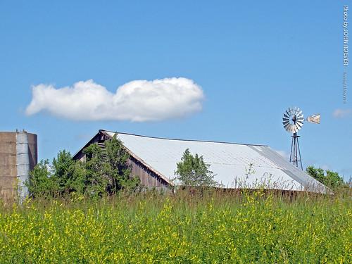 road windmill barn drive highway driving may kansas ontheroad 2015 leavenworthcounty driverpic countyroad1 may2015