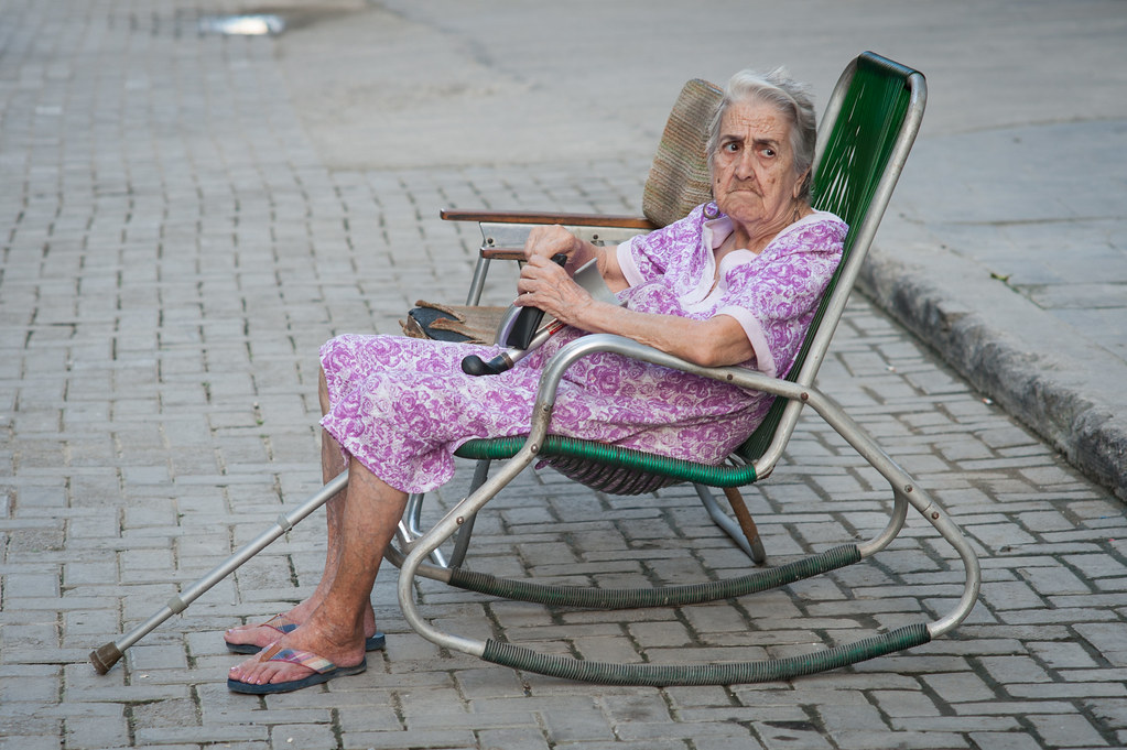 best loved 03c98 62279 Granny in rocking chair (Havana) | Paul Hoogeveen | Flickr