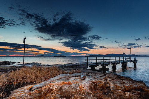 australia au newsouthwales nsw portstephens mallabula bay beach point jetty pier clouds sunset sea water driftwood island snapperisland canoneos6d canonef1635mmf4lisusm