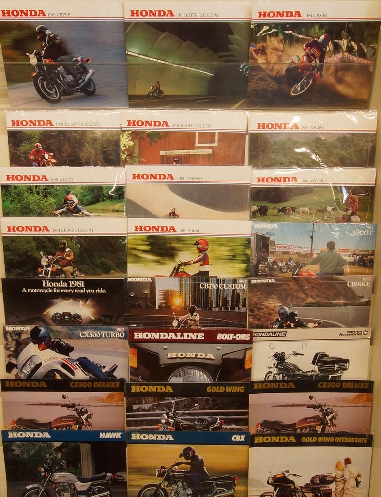 Honda Brochures 02 DSC01710
