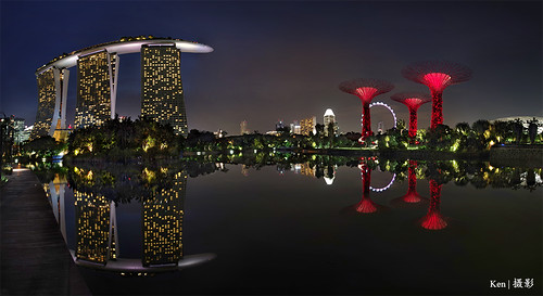 Panoramic view of MBS + Super trees   by Ken Goh thanks for 3 Million views