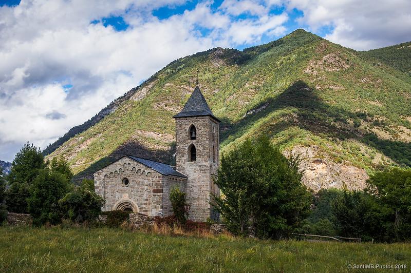 L'Assumpció de Cóll y las montañas