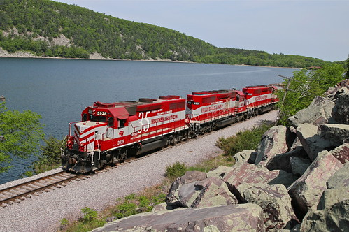 trains railroads wisconsinsouthern wsor wamx reedsburgrocket reedsburgsub devilslake gp392 devilslakestatepark wisconsin