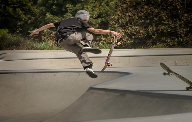 skateboaeding