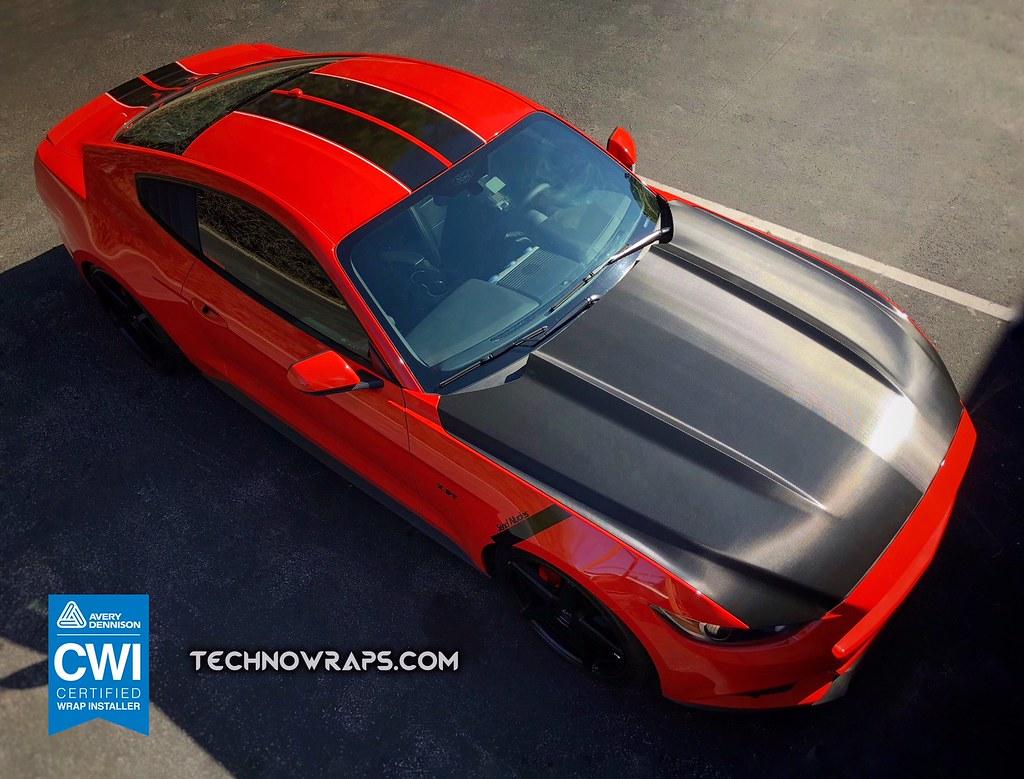 Mustang Hood Wrap in Carbon Fiber   Mustang hood wrap in bla