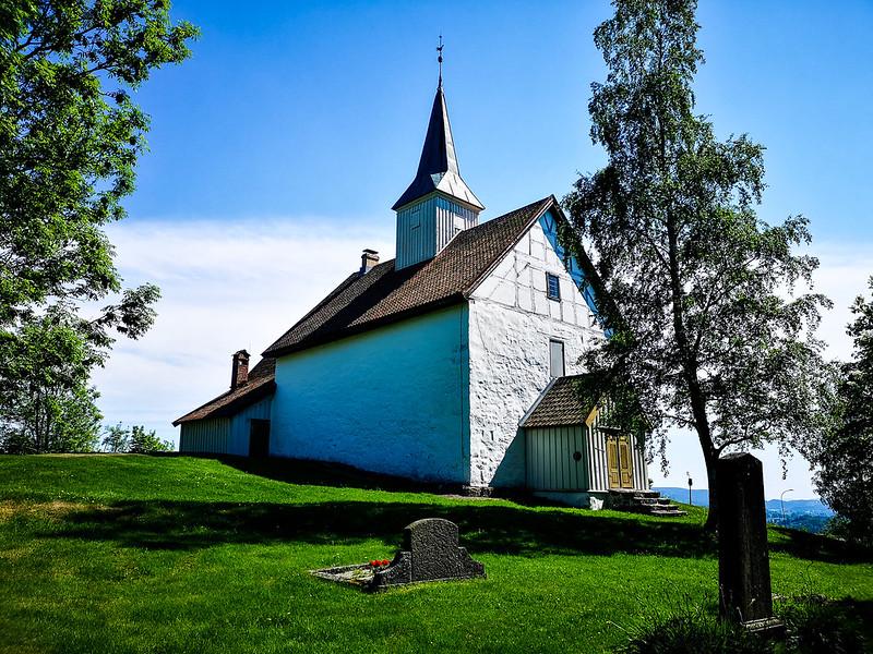 43-Skoger gamle kirke