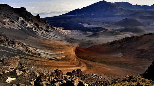 mountain clouds hawaii maui erosion crater volcan browncolors