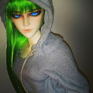 Hey you! Me and Emma! Traveling to #NYC Her first trip! #dollcollector #bjddoll #bjd #dudeswithdolls #Fashionista #resindoll #fashionsbyme #mygirlsyravel #greenhair #blueeyes #dudeswithdolls | by Otakusenseikay