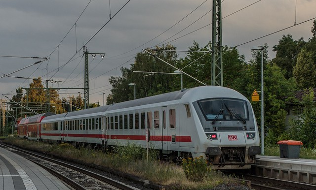 1435_2016_07_08_Baunatal_Guntershausen_DB_115_114_mit_PbZ_2475_Kassel_Hbf_-_Frankfurt_Hbf_7x_Dosto_3x_IC_Wagen