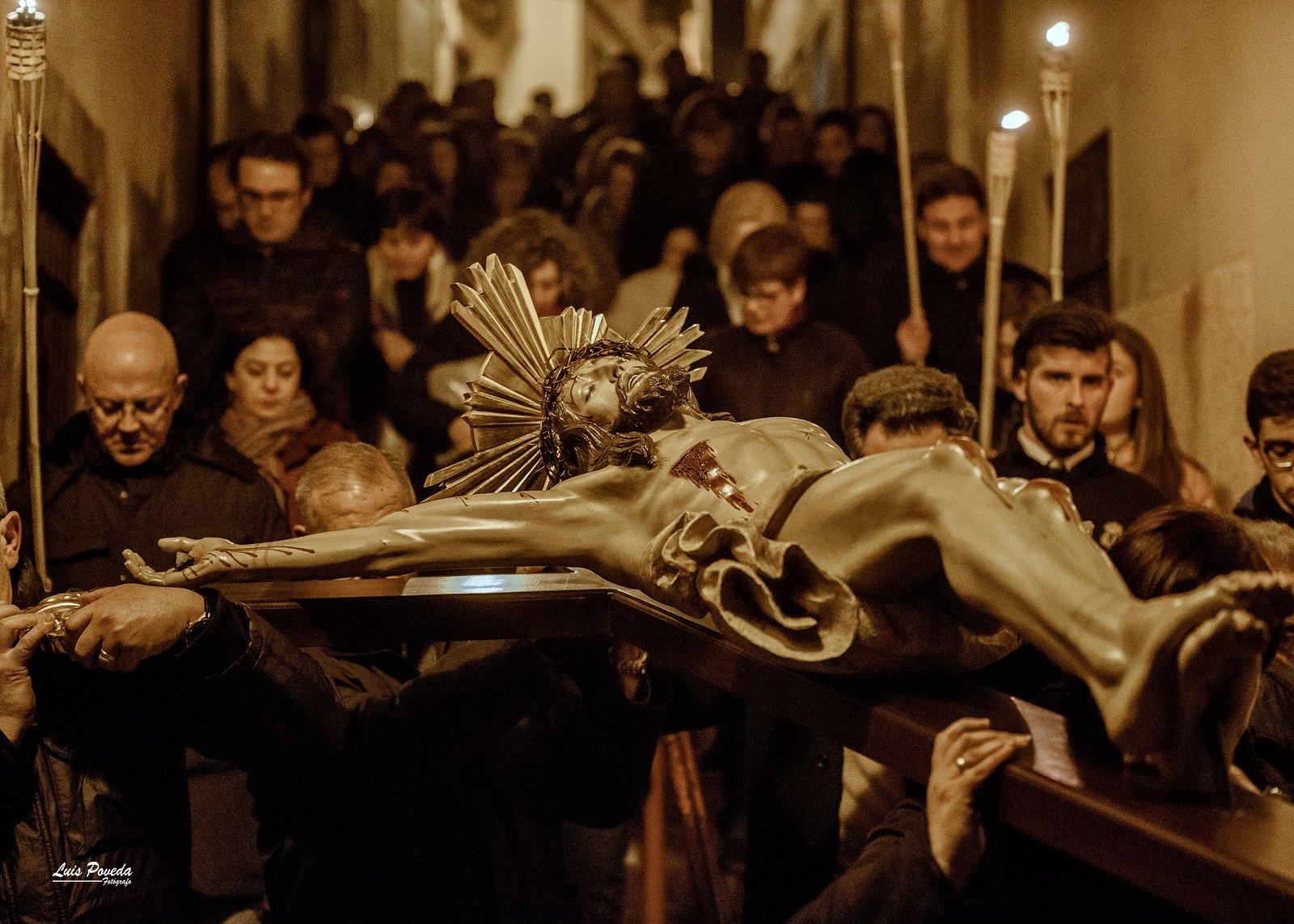 (2018-03-23) - IX Vía Crucis nocturno - Luis Poveda Galiano (06)