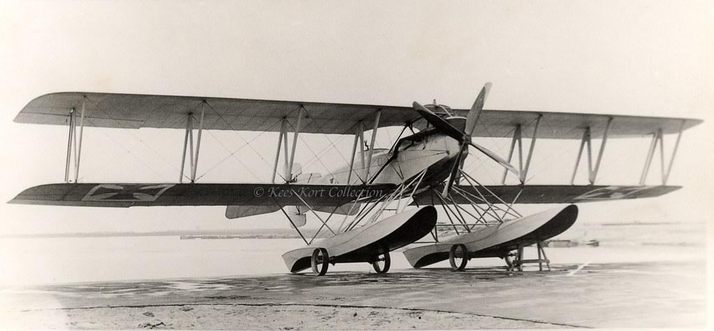 The Enormous Biplane Floatplane Built By The Werk Lubeck T Flickr