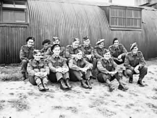 Candidates from the Canadian Army Overseas complete training at the British No. 1 Parachute Training School, Royal Air Force... / Candidats de l'Armée canadienne outremer terminant leur entraînement à l'École de formation en parachutisme no 1 de la R