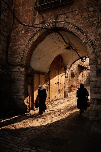 ramparts israel jerusalem shadows silhouettes oldcity jewish arab christianity sunset muslim