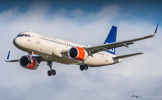 SAS LN-RGL | by belemAviation