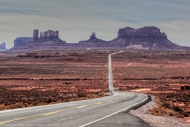 Classic approach from Monument Valley from the north