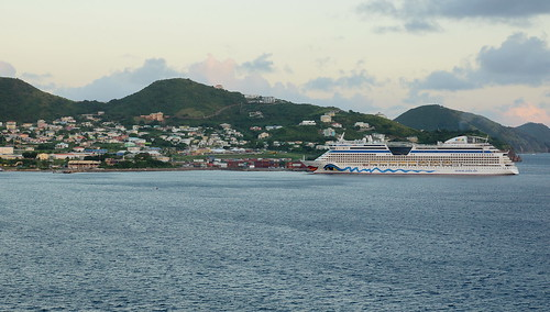 st kitts caribbean cruise ship thomson marella discovery sunset