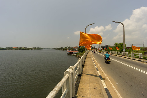 Crossing the Bentota Ganga | by seghal1