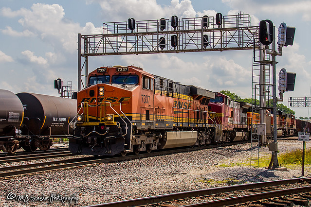 BNSF 7337 | GE ES44DC | BNSF Thayer South Subdivision