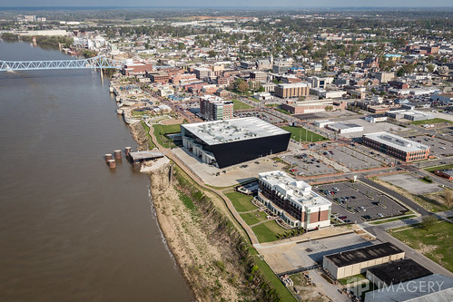 view holidayinn boardwalkpipeline owensboroconventioncenter owensboro aerial 5ds dslr ohioriver riverparkcenter occ smotherspark 50mp pier bluebridge downtown kentucky usa hampton inn