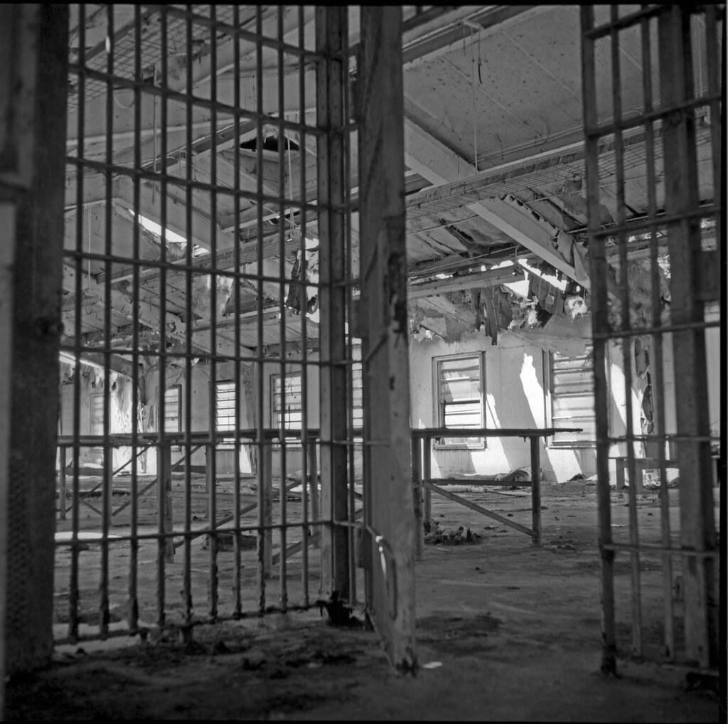 Decaying Prison Dorm (Ikoflex Ic)