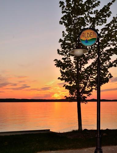 pink sunset red orange colors beautiful sign mi marina spring alden fernridge torchlake june2015