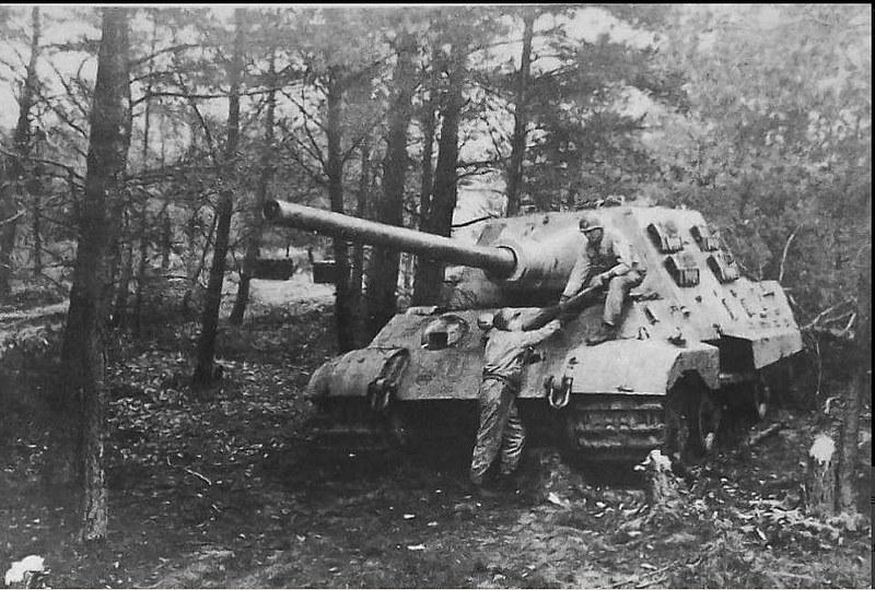 Abandoned Jagdtiger from the 512. Schwere Panzerjäger Abteilung