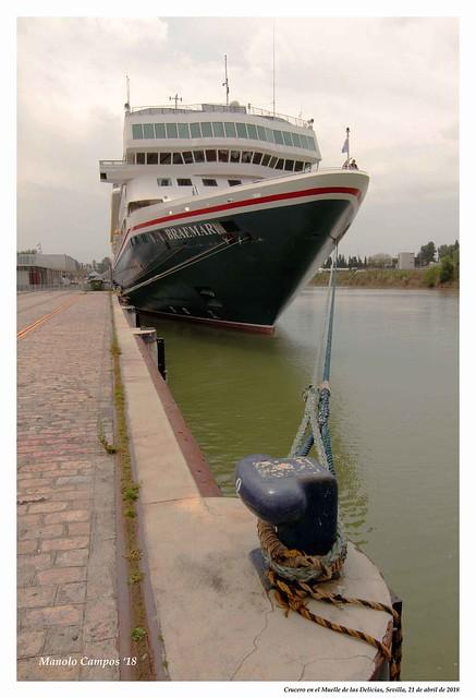Crucero en el Muelle de las Delicias, Sevilla