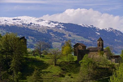 hohenrätien hohenräten hochrialt sils domleschg graubünden grisons switzerland schweiz thusis viamala hinterrhein castle ruin church