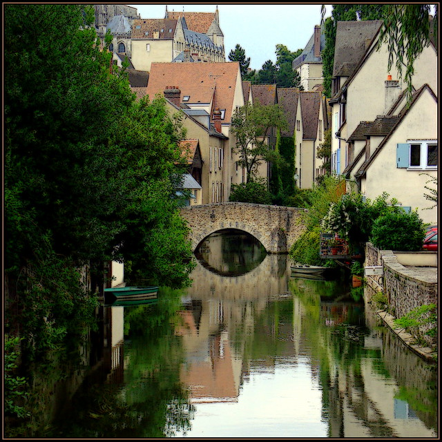 The Eure river in the old Chartres