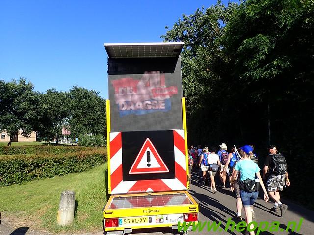 2016-07-19   1e dag Nijmegen    40 Km (50)