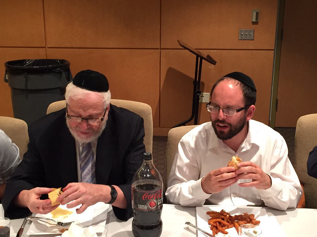 Back-to-Yeshiva Week   On 4/30, Rav Shmulewitz spoke on