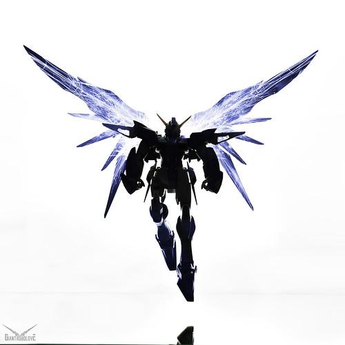 Firesparks Gundam Destiny | by giantrobolove
