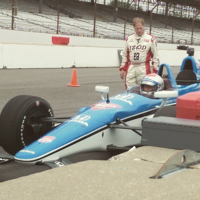 Mario Andretti giving rides at the #IndyCar #Indy500 fan experience!