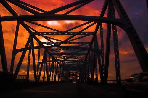 bridge sunset river mississippi geotagged louisiana popular wii geo:lat=30439646 geo:lon=91197166