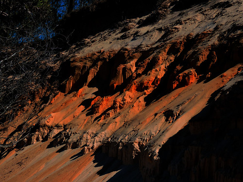 sunset sand sea bundaberg queensland australia coonarrbeach bluesky colouredsand redsand nikon p520 7dwf