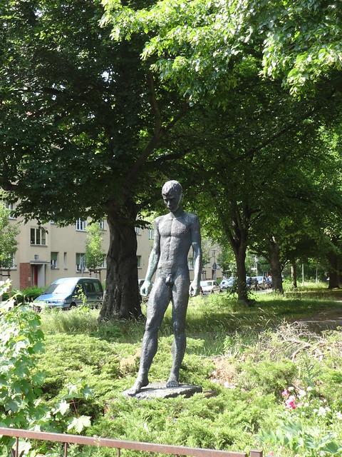 1974 Berlin-O. Junger Sportler von Fritz Ritter Bronze Karlstadter/Kissingenstraße in 13189 Pankow