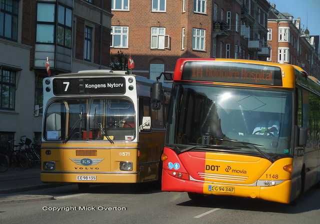 Preserved 1973 Volvo B59 passed by 2012 Scania Omnilink ARRIVA 1148 route 1A